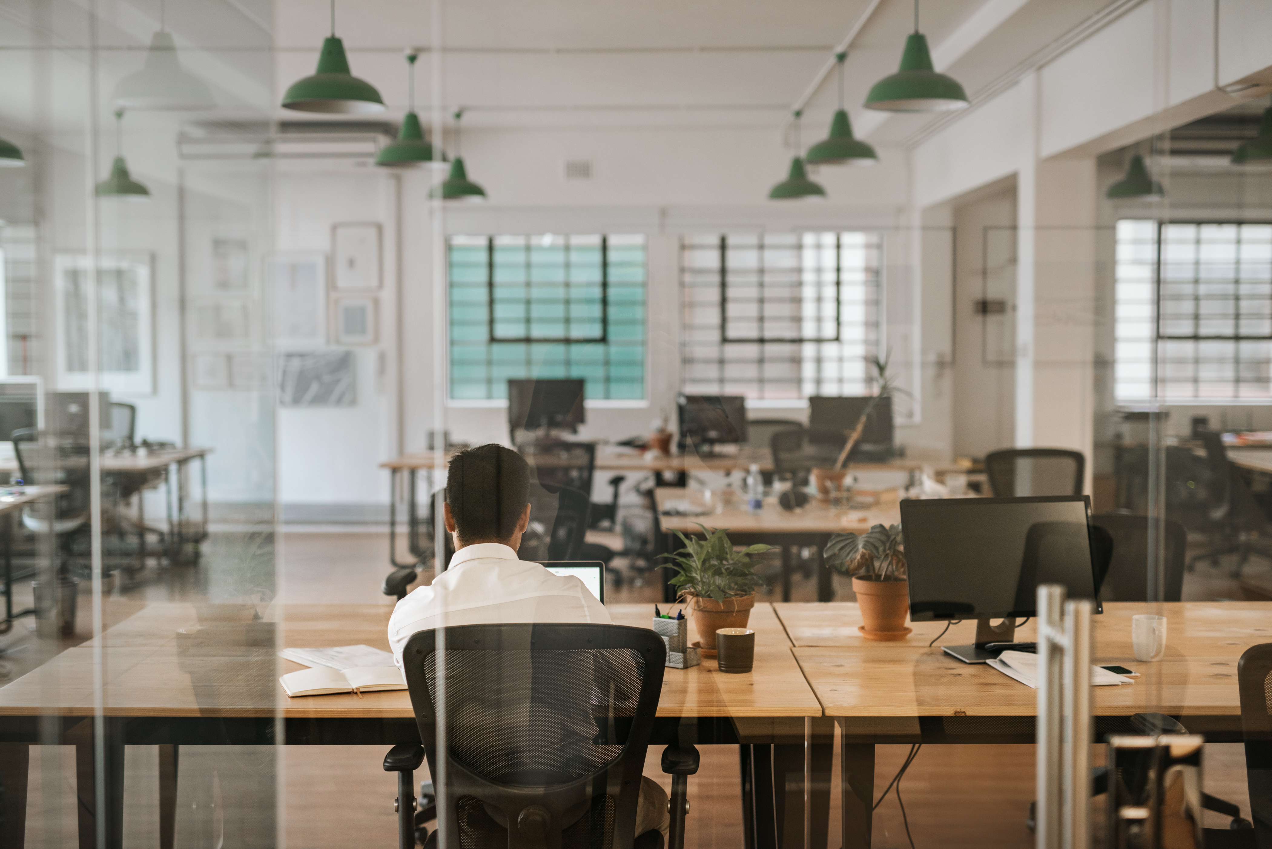 Investing in Co-working Space vs. Executive Office Suites | 580 Executive Center